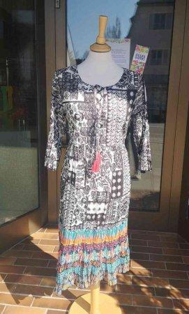 Orientique Kleid 75,00 €-